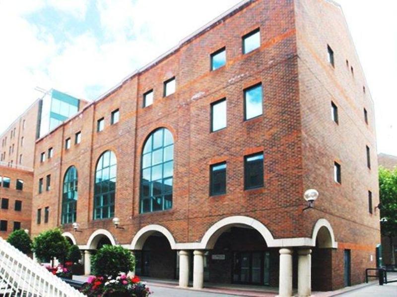 London-canary-wharf-e14-office-building