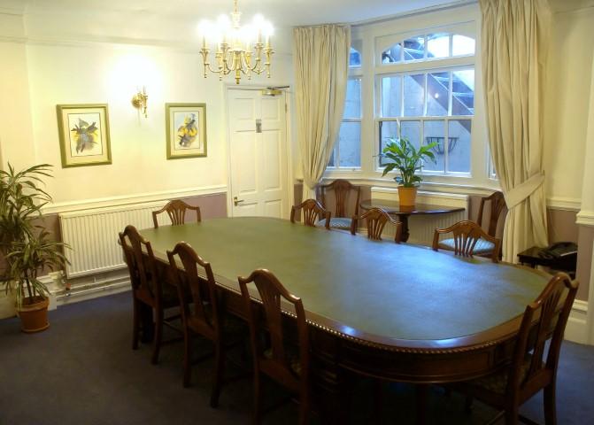 london-blackwell house-EC2V-boardroom-classic